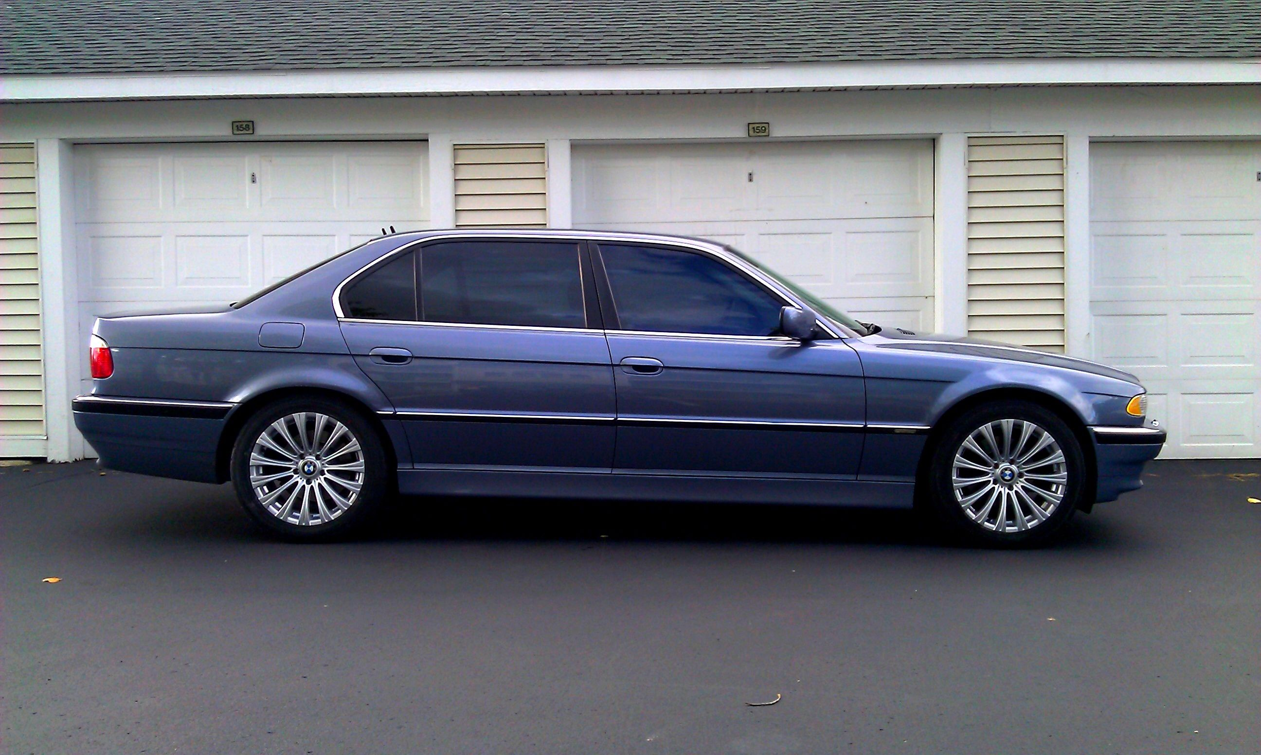 New Wheels For My 2001 BMW E38 Lang In Stahlblau